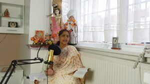 Read more about the article Gujrati hit Bhajan   Super hit Bhajan   Bhajans with Sarojben   Gujrati religious songs