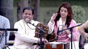 Read more about the article PM Modi listens to Anup Jalota Bhajans at Gandhi Smruti, New Delhi