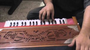 Read more about the article Harmonium Lessons for Sai Bhajans – Lesson 5 – Chords